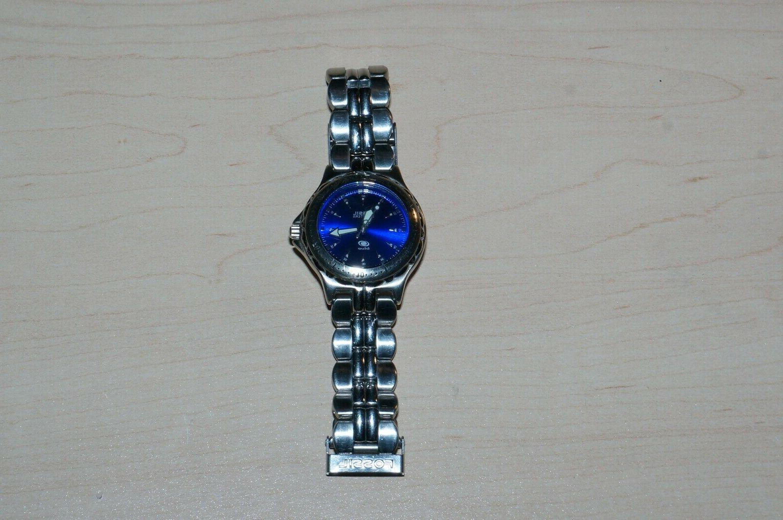 blue stainless steel dive themed watch vintage
