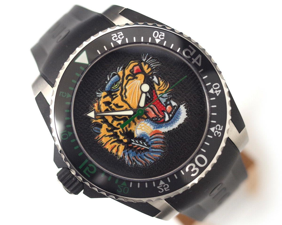 Gucci Dive Watch Embroidered Men's Watch