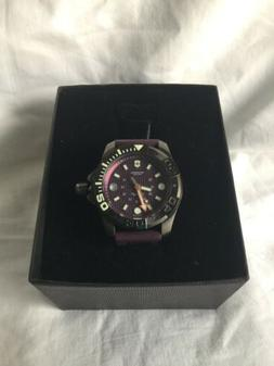 NEW AUTHENTIC VICTORINOX SWISS ARMY DIVE MASTER PURPLE SILIC